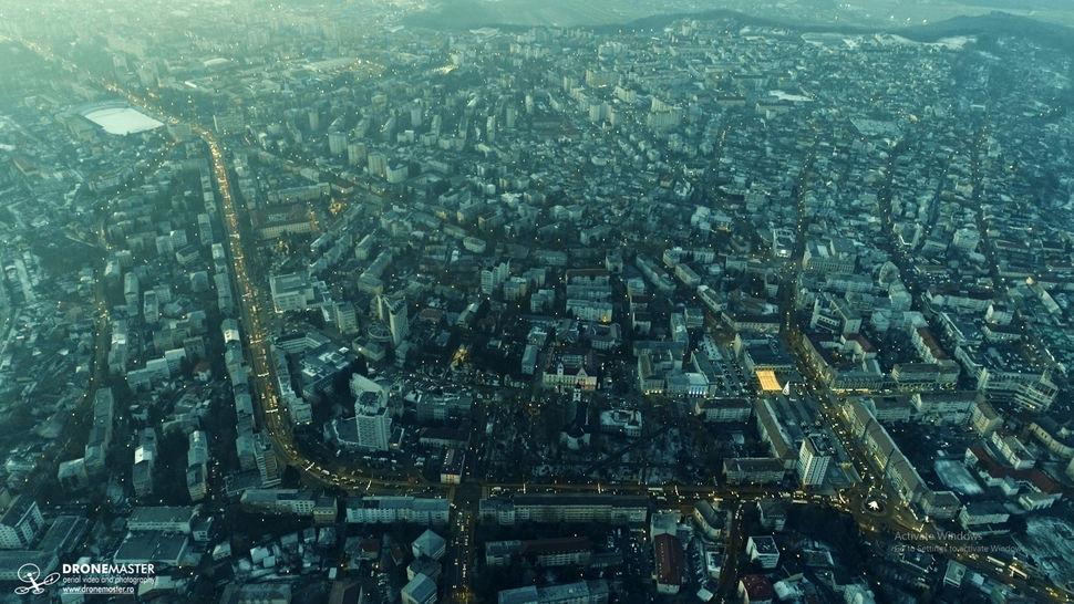 Fotografie aeriana Suceava cu trafic la ore de varf