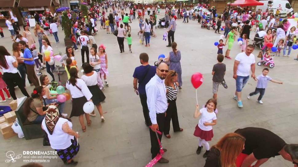 Embedded thumbnail for Copii Bucurie Familie, de Ziua Copilului in Suceava - filmare cu drona
