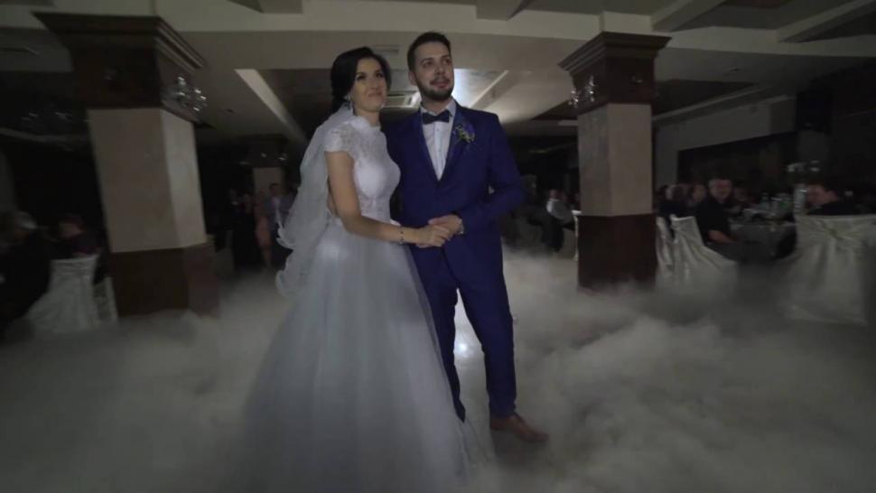 Embedded thumbnail for Videoclip de nunta. Dansul mirilor - Andreea si Catalin