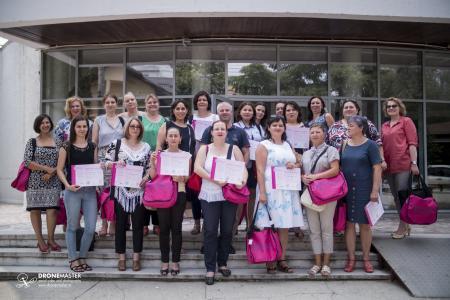 Foto de grup cu absolventele cursului de educatie perinatala, Suceava, 2016